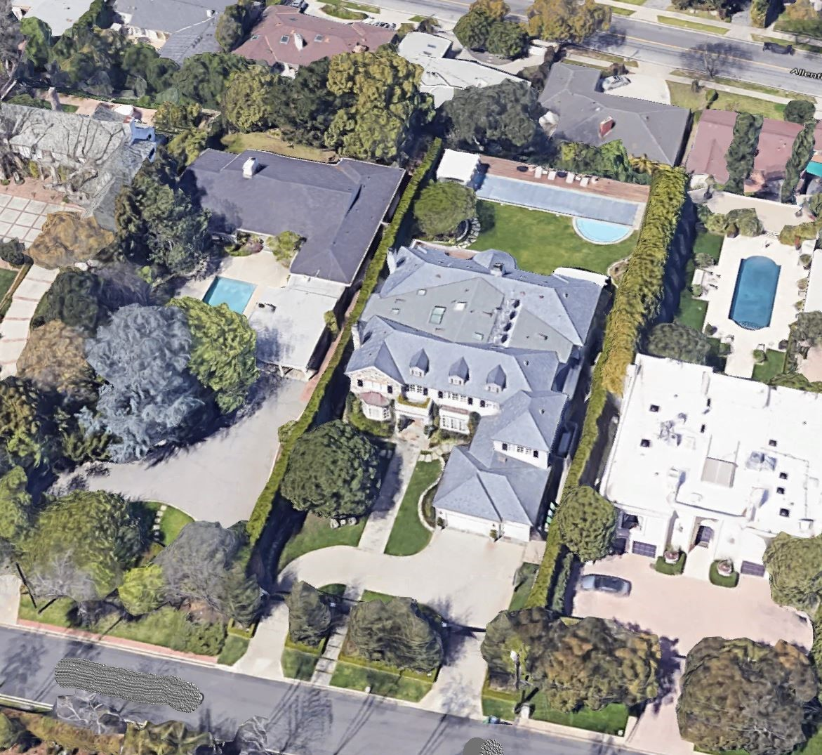 Arial view of LeBron's other Brentwood house