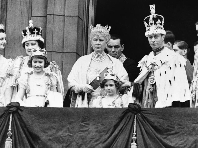 Princess Elizabeth, Queen Mary, King George VI and Princess Margaret
