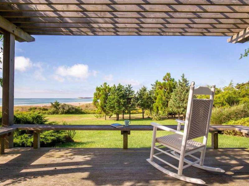 A Seaside Retreat in Martha's Vineyard