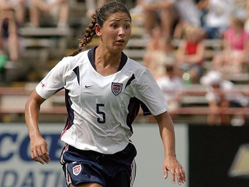 USWNT midfielder Tiffany Roberts