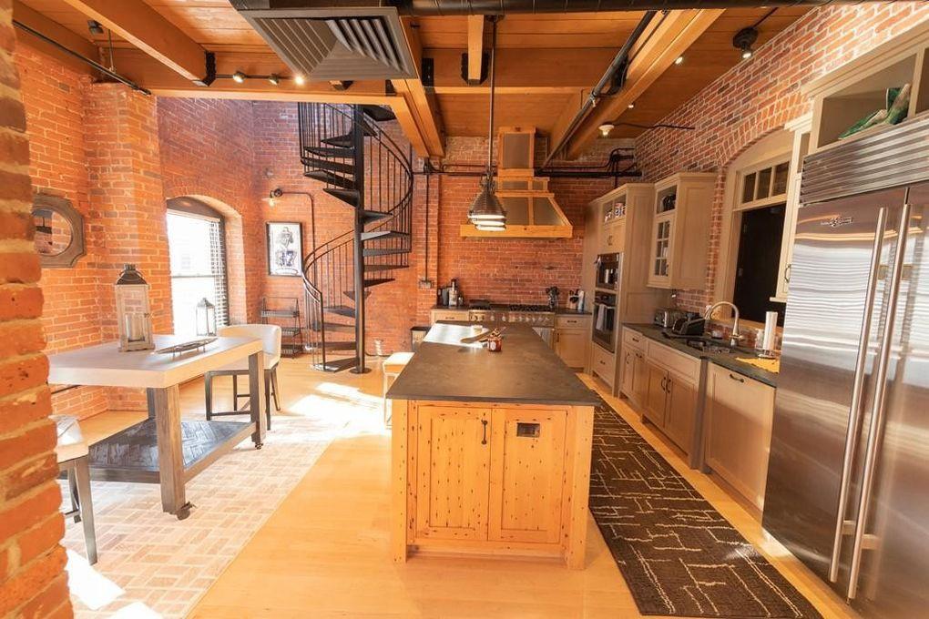 Gronk's kitchen