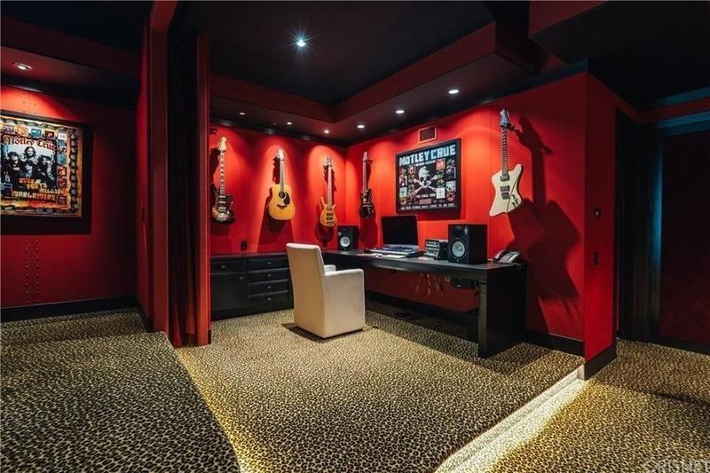 Nikki Sixx's theater