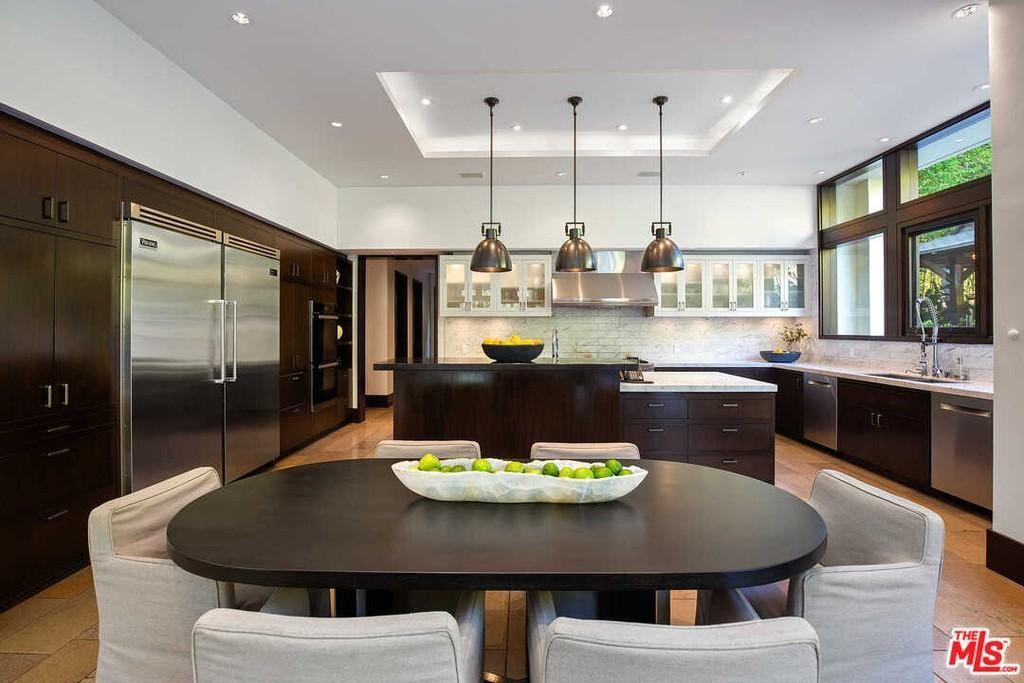 Matt Damon's big kitchen