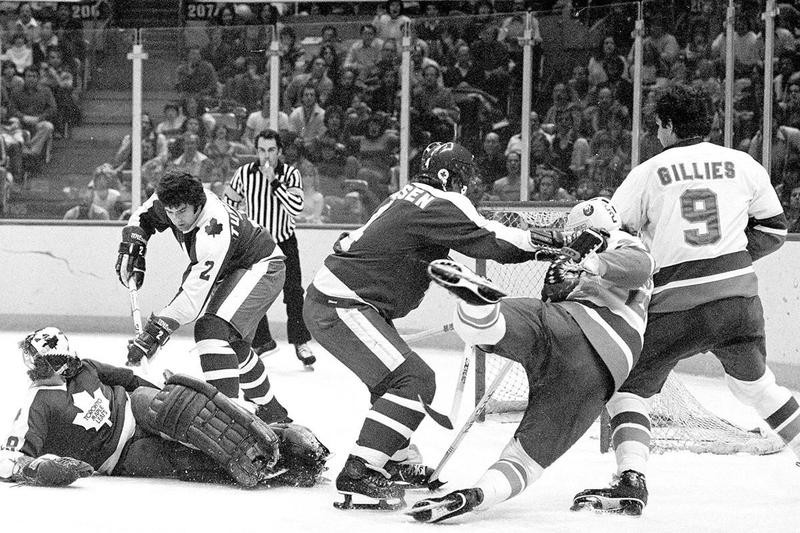New York Islanders right wing Mike Bossy and left wing Clark Gillies