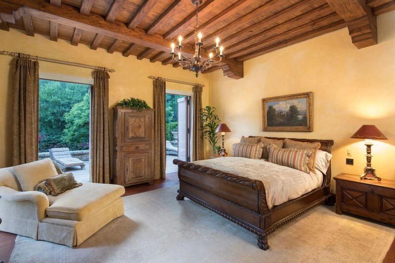 Villa Firenze bedroom