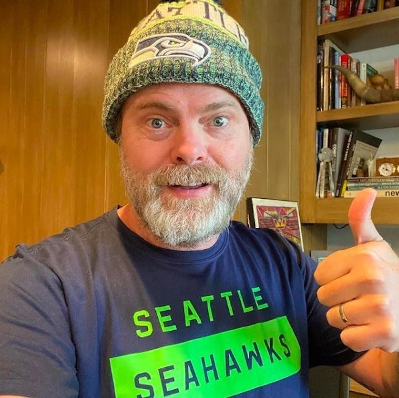 Rainn Wilson takes selfie in Seattle Seahawks attire