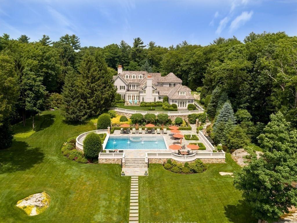 Mansion in Weston, Massachusetts