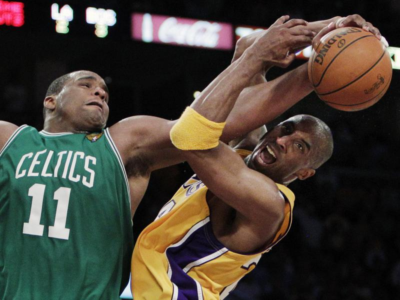 Kobe Bryant and Glen Davis