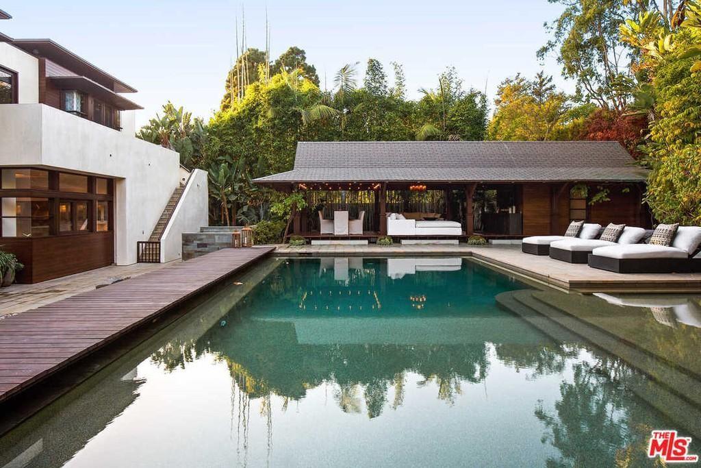 Matt Damon's pool