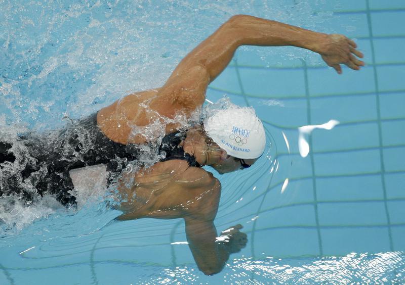 Alain Bernard swimming