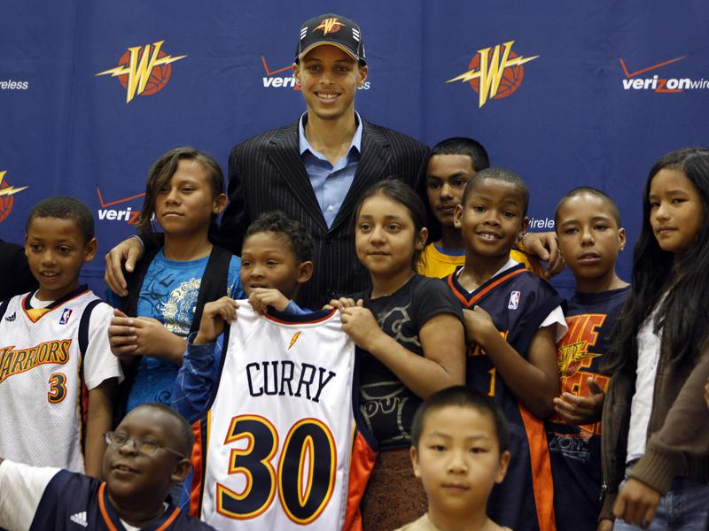 Steph Curry and Warriors fans