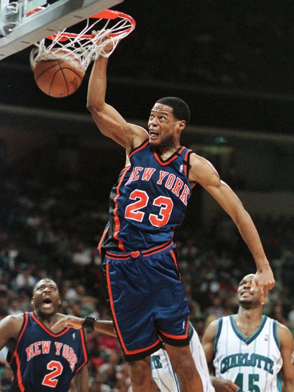 New York Knicks center Marcus Camby dunks