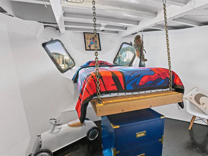 Elevated children's bed