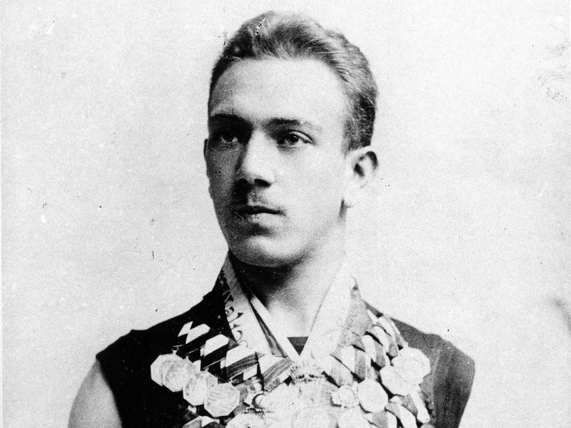 Alfred Hajos with medals in Athens