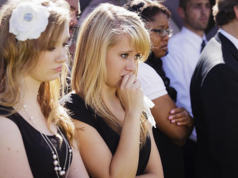 Professional mourner