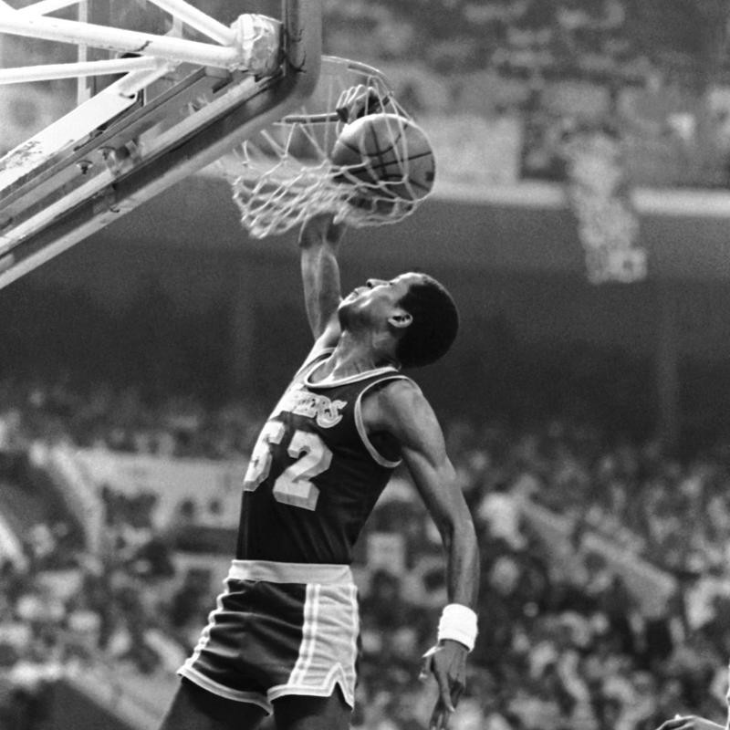 Jamaal Wilkes slam dunks two points