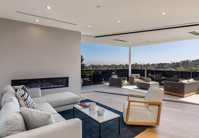 Master bedroom with outdoor seating