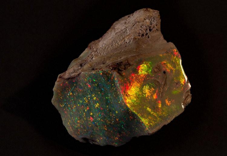 Fire of Australia opal