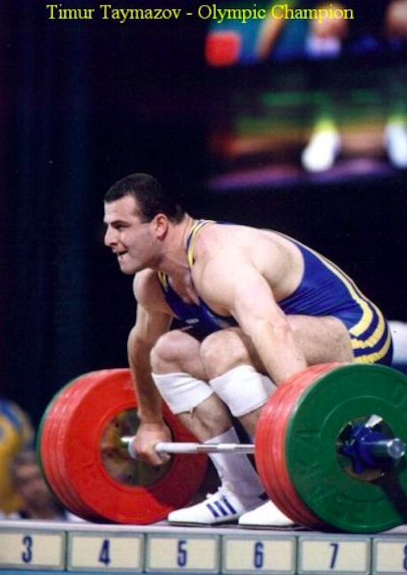 Timur Taymazov preparing to lift