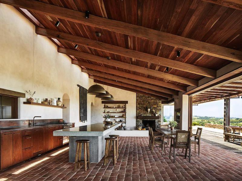 outdoor kitchen airbnb