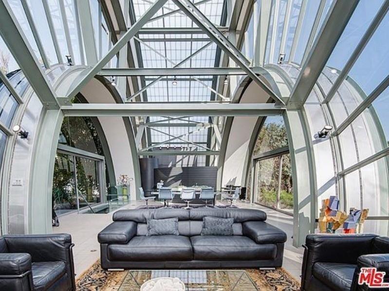 Ed Nile's futuristic home in California