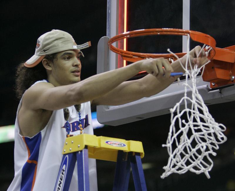Florida Gator Joakim Noah cuts down the net