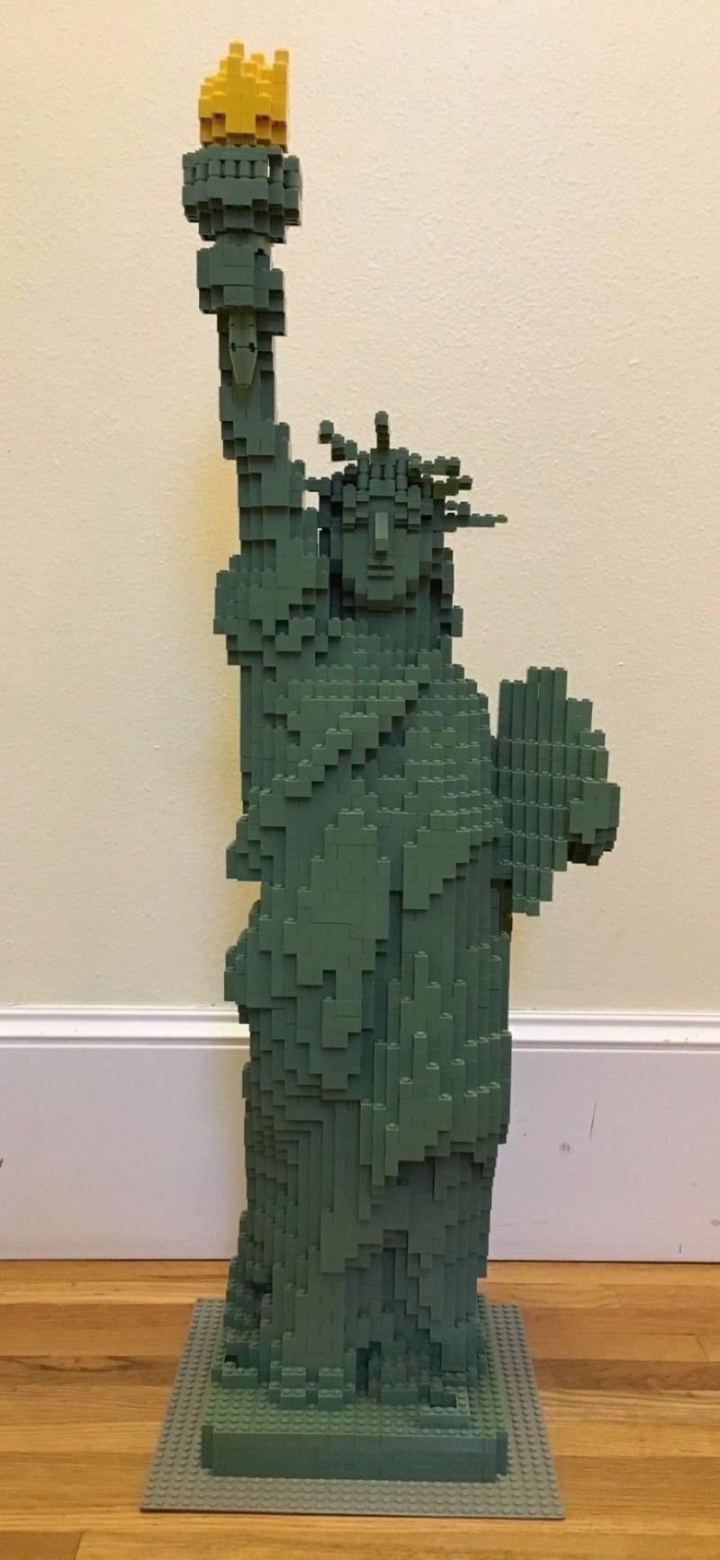 Statue of Liberty Lego set