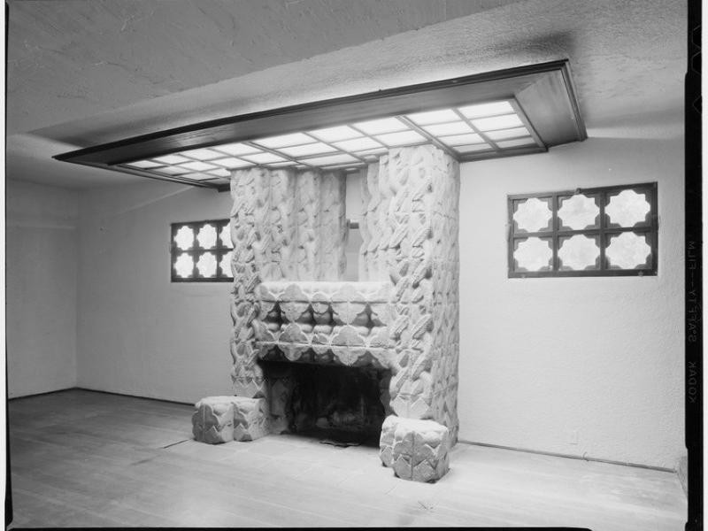 Frank Lloyd Wright Jr. fireplace in Sowden House