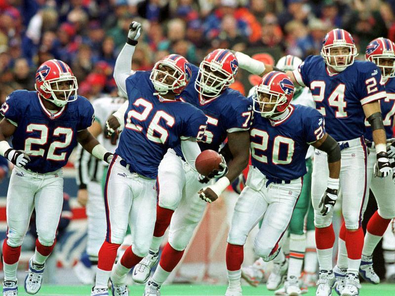Antoine Winfield and Bills teammates