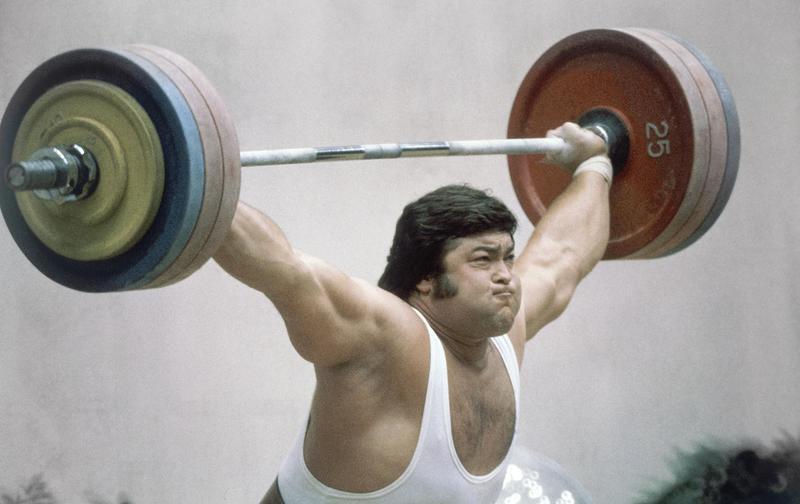 Sultan Rakhmanov lifts