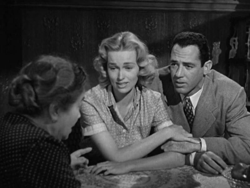 Esther Minciotti, Jerry Paris, and Karen Steele conversing in Marty