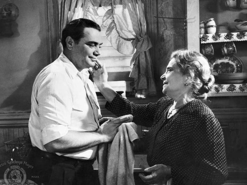 Esther Minciotti embracing Ernest Borgnine in Marty