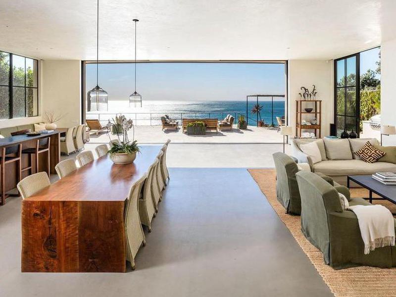 Aaron Rodgers' living room