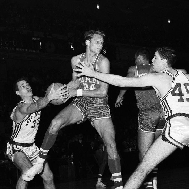 Rick Barry in 1964