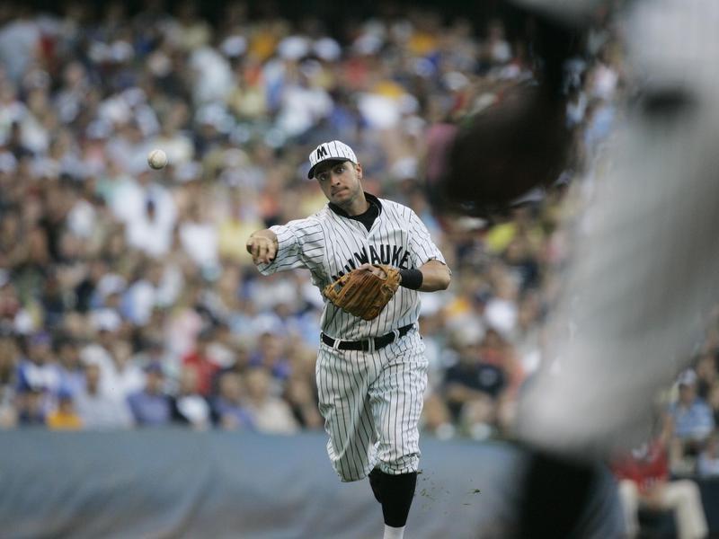 Ryan Braun making a fielding play