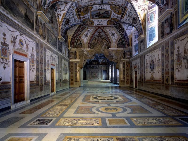 Inside Apostolic Palace