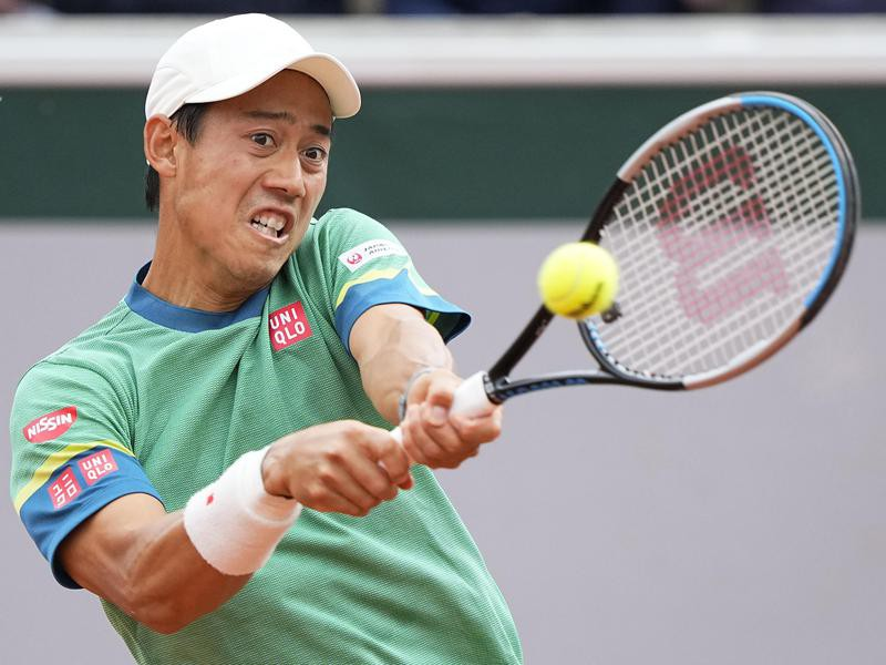 Kei Nishikori plays return
