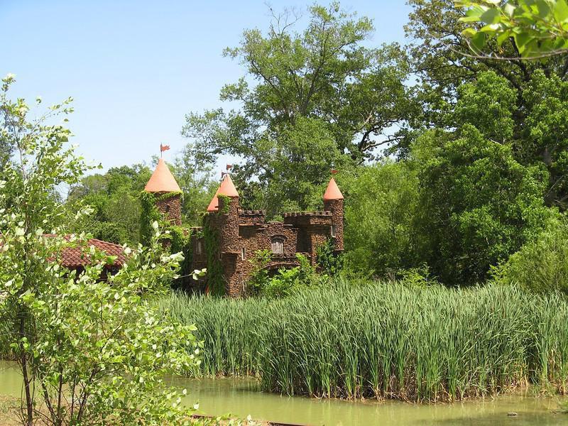 Jackson Zoo castle