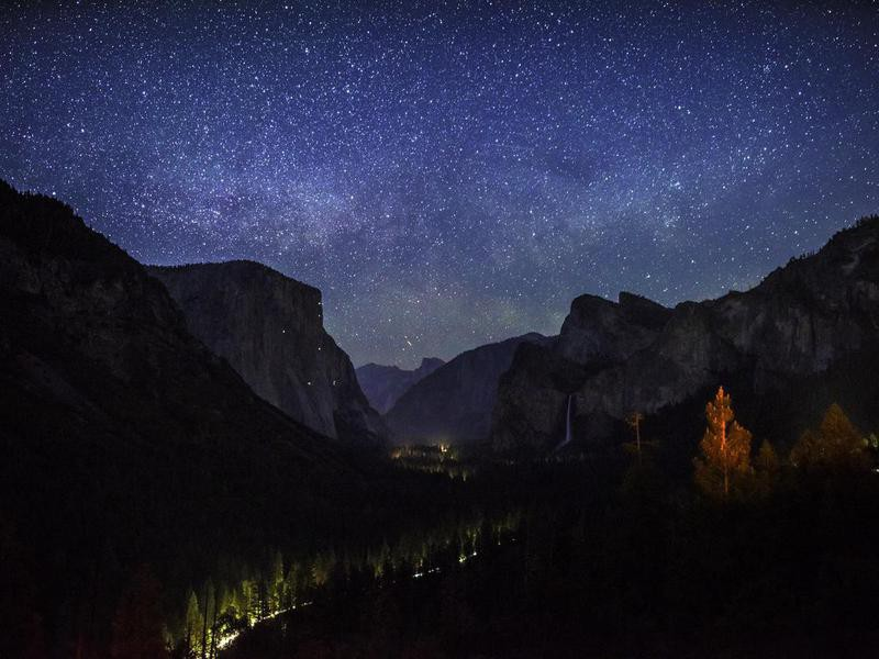 Yosemite Valley night view