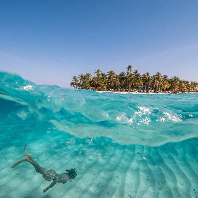 Christian Byfield diving in Providencia