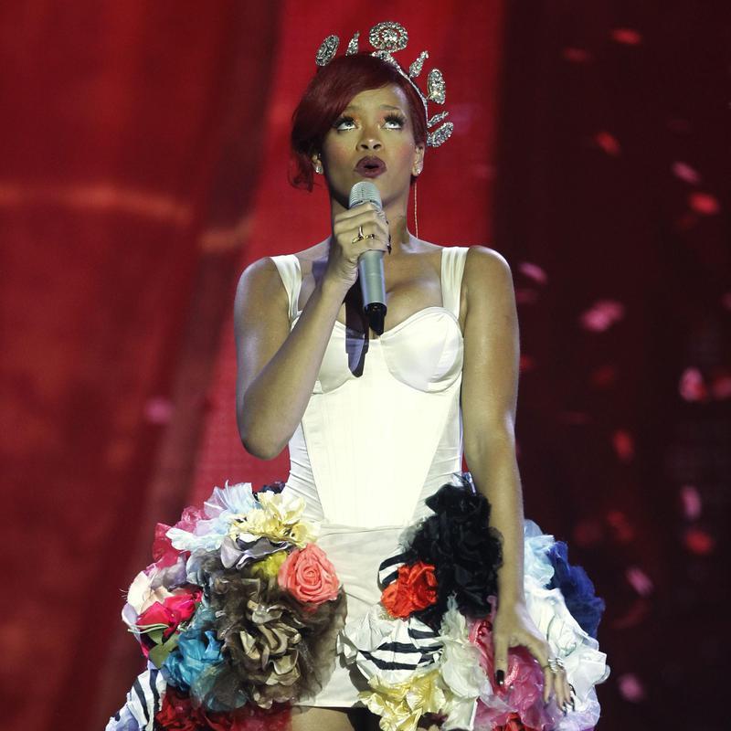 Rihanna performs at the MTV European Music Awards