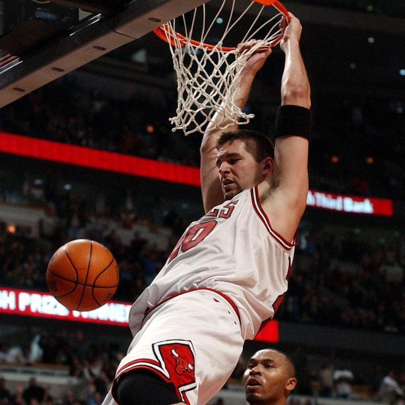 Chicago Bulls' Brad Miller dunks the ball