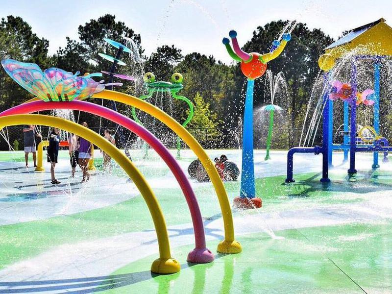 Fun splash pad park