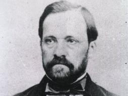 1879: Louis Pasteur Creates the First Live Attenuated Bacterial Vaccine