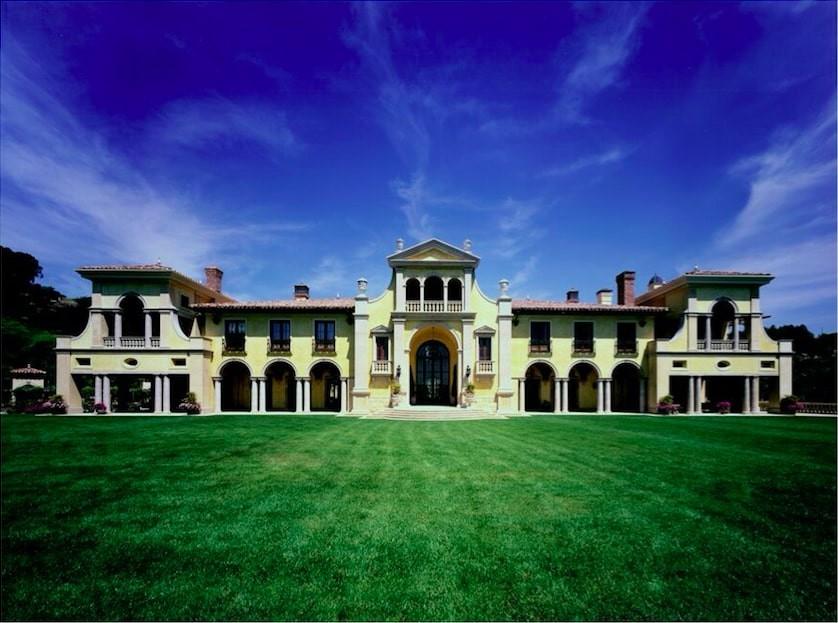 Villa Firenze backyard