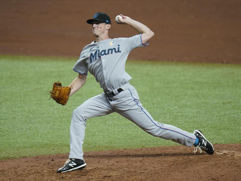 Miami Marlins relief pitcher Brandon Leibrandt in action