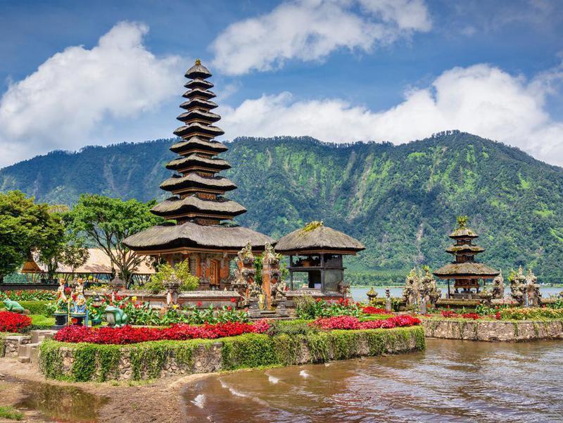 Bali Pura Ulun Danu Bratan Hindu Temple