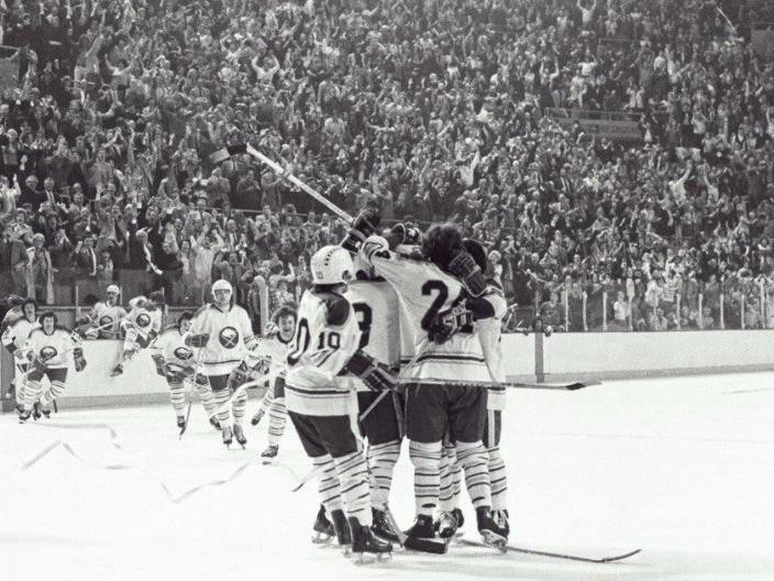 Don Luce scores and Sabres advance