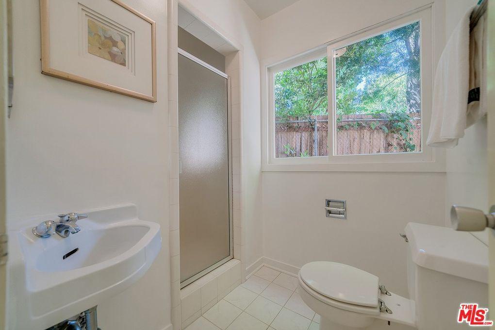 1950s bathroom