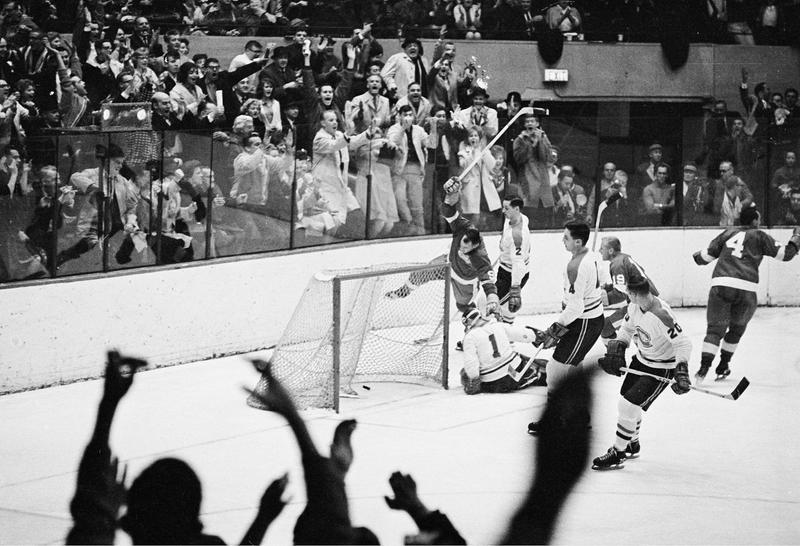 Detroit Red Wings right wing Gordie Howe